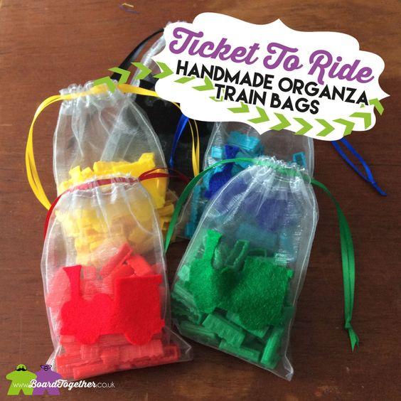 Saquinhos feitos à mão para guardar componentes do Ticket to Ride