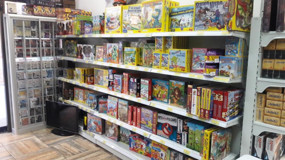 Catálogo infantil da loja de jogos Entrejuegos em Santiago