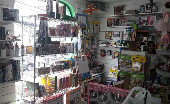 Loja Caixa de Brinquedos na Rua Tutóia