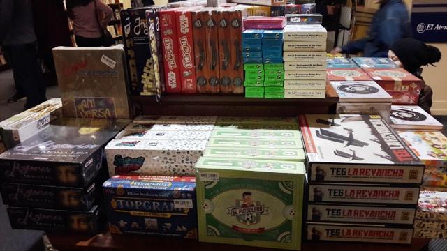 Jogos de tabuleiro na livraria El Ateneo