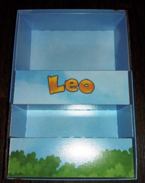 Caixa do jogo de tabuleiro infantil LEO
