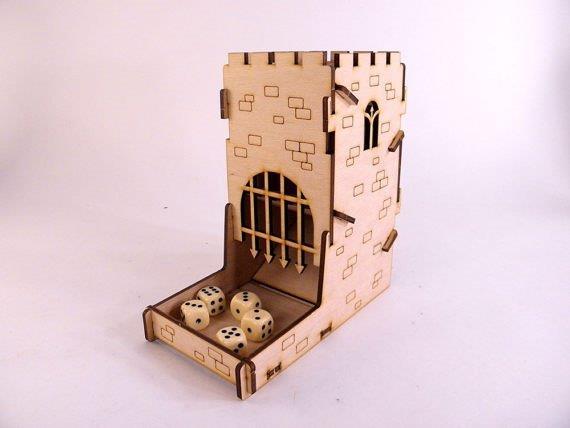 Torre de dados medieval de madeira