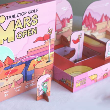 Um jogo de golfe espacial em Mars Tabletop Golf