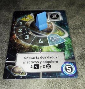 Componentes do jogo Tiny Epic Galaxies