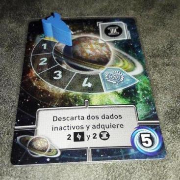 Componentes do jogo Tiny Epic Galaxies
