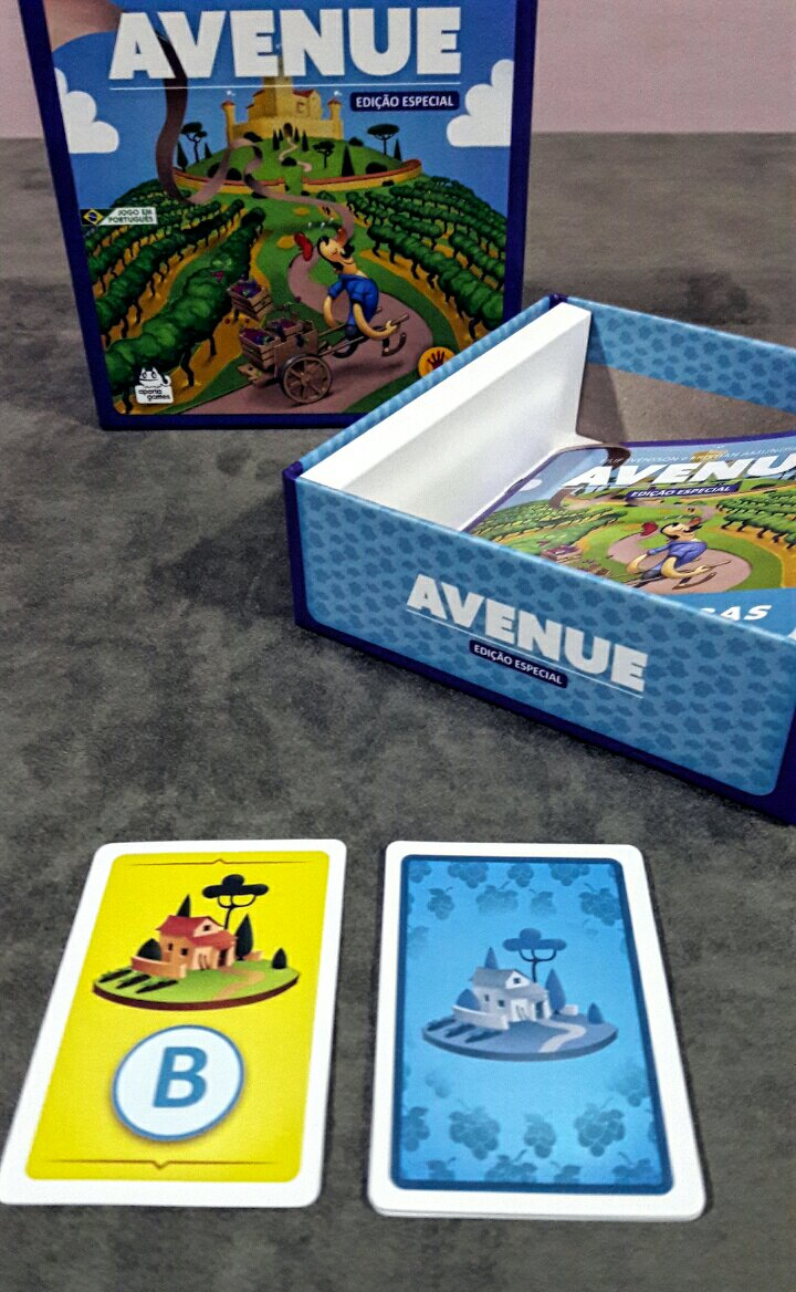 Caixa do jogo de tabuleiro Avenue