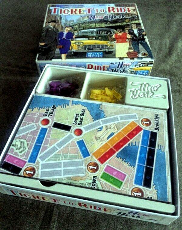 Uma bela produção do jogo de tabuleiro Ticket to Ride New York