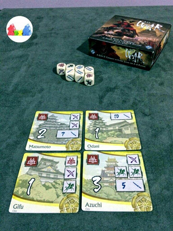 Conjunto de castelos amarelos do jogo Age of War