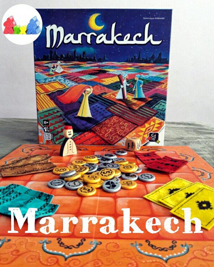 Bela caixa e os belos tapetinhos do jogo de tabuleiro Marrakech