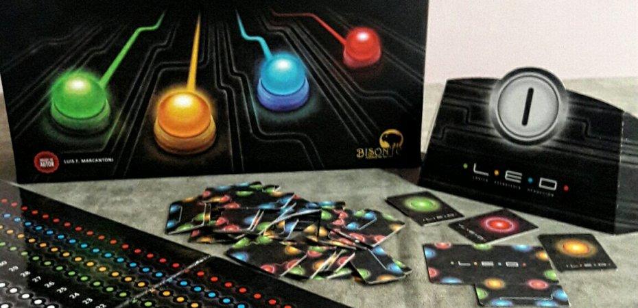 Jogo de tabuleiro LED
