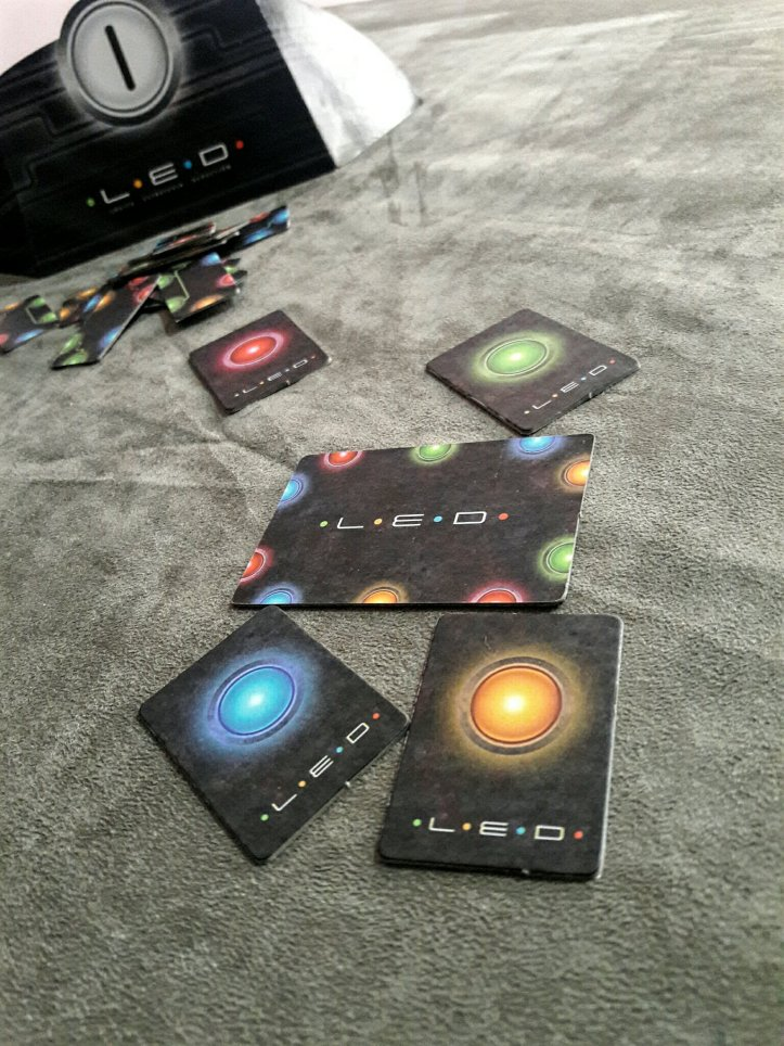 Peças de cores secretas do jogo de tabuleiro LED