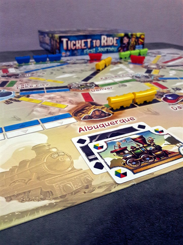 Tabuleiro jogo infantil Ticket to Ride First Journey