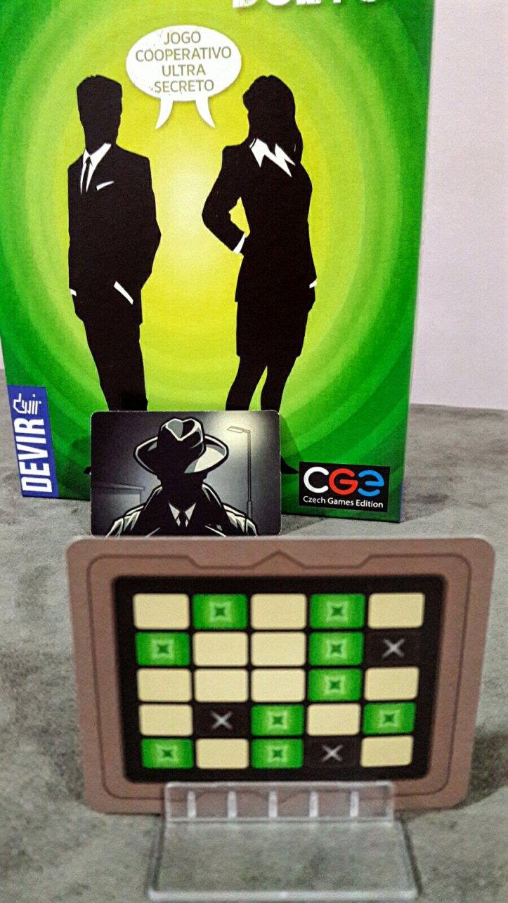 O assassino no jogo Código Secreto Dueto