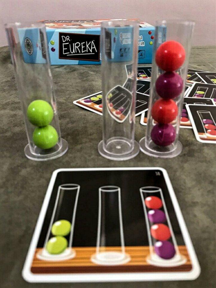 Fórmula completa no jogo infantil Dr. Eureka