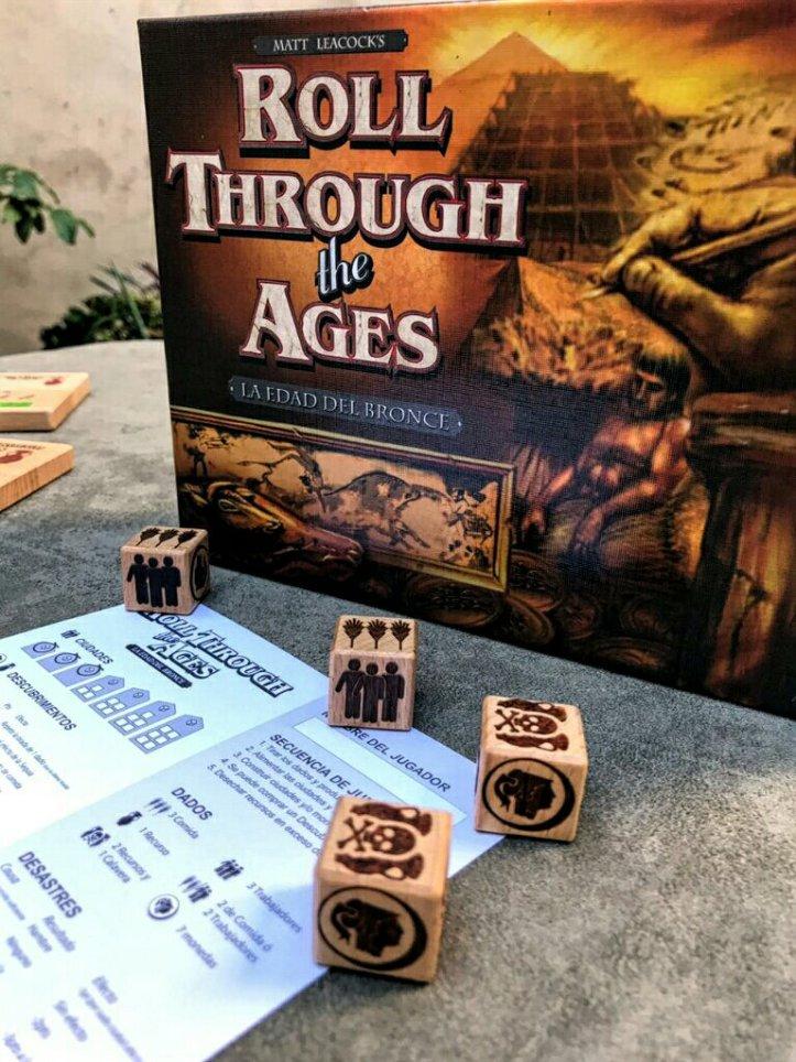 Componentes do jogo Roll Through the Ages