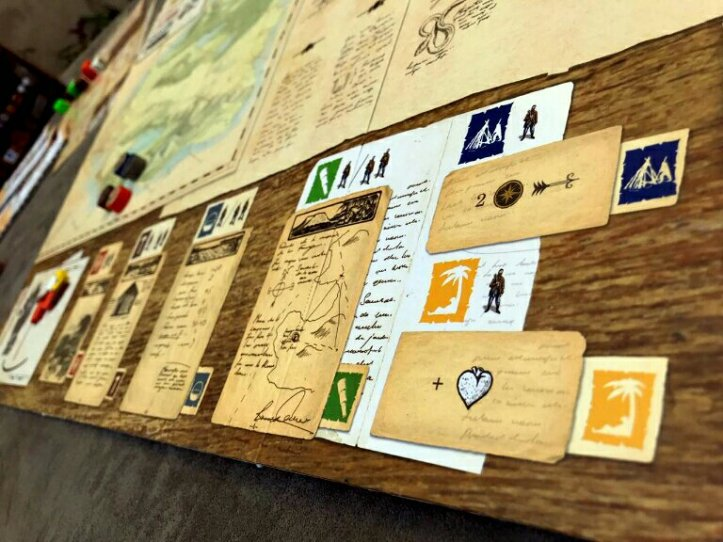 Tabuleiro do jogo cooperativo Robinson Crusoe