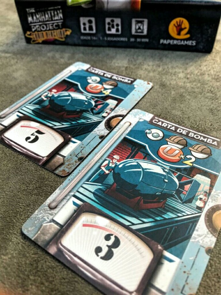 Bombas do jogo de cartas The Manhattan Project Chain Reaction