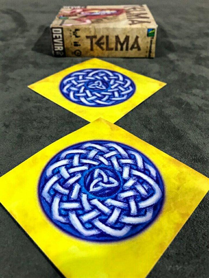 Dois símbolos iguais no jogo de cartas TELMA