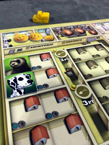 Recolha os animais no jogo de tabuleiro Dogs