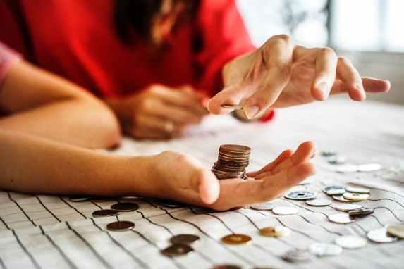 5 lições sobre finanças para você ensinar ao seu filho enquanto joga CATAN