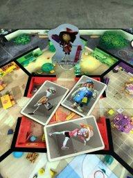 Trê zumbis na sala é problema no jogo infantil Zombie Kidz