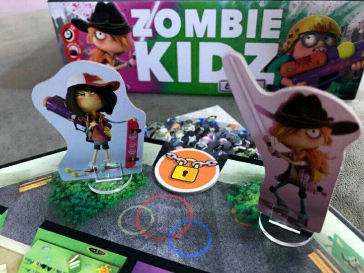 Cadeado para fechar a saída no jogo infantil Zombie Kidz
