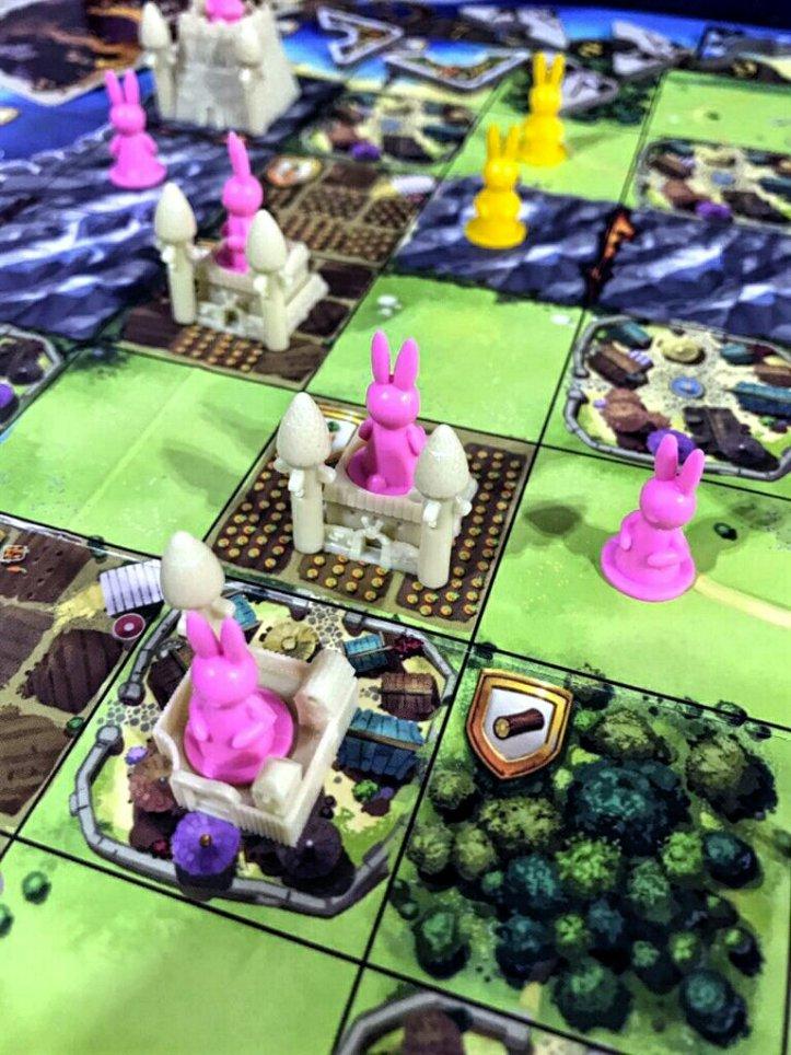 Um feudo de coelhinhos no jogo de tabuleiro Bunny Kingdom
