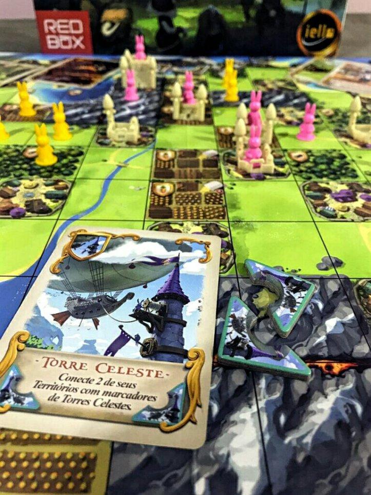 Torres celestes no jogo de tabuleiro Bunny Kingdom