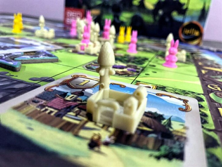Cidade de uma torre no jogo de tabuleiro Bunny Kingdom