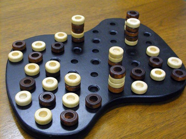 Jogo de tabuleiro Avalam
