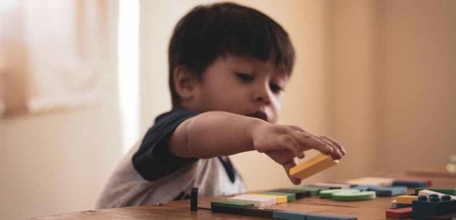 Jogar para uma infância saudável e feliz