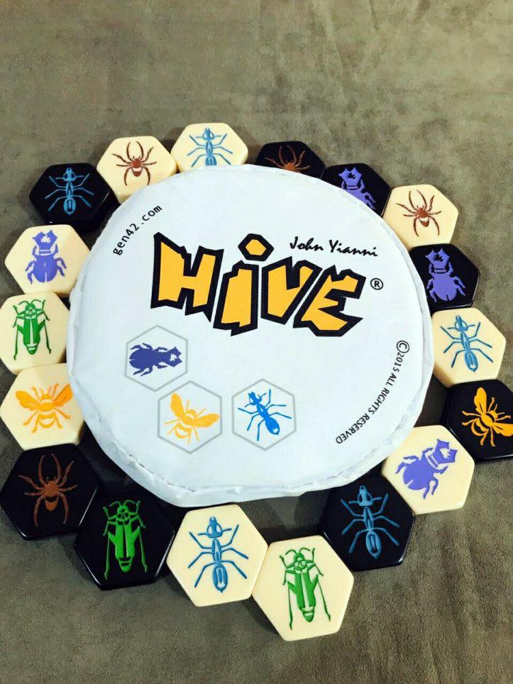Jogo de tabuleiro HIVE